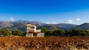 Casa sola al piede della montagna Fotografia Stock Libera da Diritti