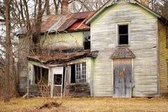 Casa spettrale abbandonata dell'azienda agricola Immagini Stock Libere da Diritti