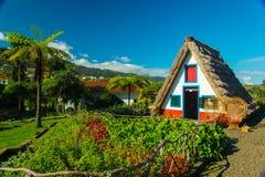 Casa strawy típica Imagen de archivo libre de regalías
