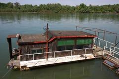 Casa su acqua Fotografie Stock Libere da Diritti