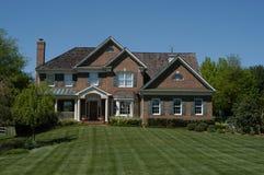 Casa suburbana contemporánea Imagen de archivo