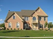 Casa suburbana dell'alta società 4 Immagine Stock