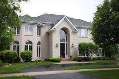 Casa suburbana do tijolo Imagens de Stock