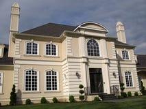 Casa suburbana fine fotografie stock libere da diritti