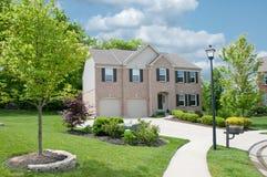 Casa suburbana residenziale negli S.U.A. Fotografia Stock Libera da Diritti