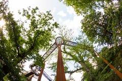 Casa sull'albero impressionante nei giardini reali di Kew, Londra immagine stock libera da diritti