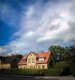 Casa svedese alleggerita dal sole Fotografie Stock