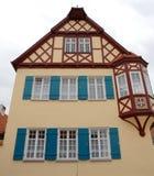 Casa típica com erker na cidade de Nordlingen em Alemanha Imagens de Stock