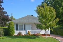 Casa típica do bungalow 70s Foto de Stock