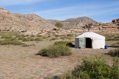 Casa típica do mongolian imagem de stock
