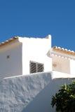 Casa tipica con lo stucco bianco in Algarve Typica Fotografia Stock Libera da Diritti
