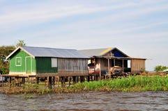 Casa tipica della giungla del Amazon fotografia stock