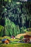Casa tipica delle dolomia - montagne italiane - Europa Fotografie Stock Libere da Diritti