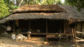 Casa tradicional da vila em Shan State, Myanmar filme