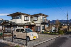 Casa tradicional de madera del estilo japonés imagen de archivo