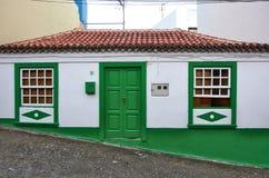 Casa tradicional del isleño del color foto de archivo libre de regalías
