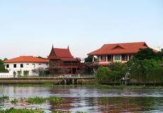 Casa tradicional en el río cerca de la KOH Kret Fotografía de archivo libre de regalías
