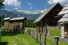 Casa tradizionale della montagna in Uskovnica Fotografia Stock Libera da Diritti