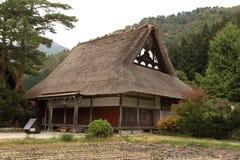 Casa tradizionale giapponese in Shirakawako, Giappone fotografia stock