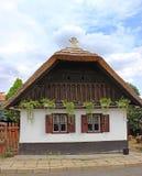 Casa ungherese tradizionale del villaggio Fotografie Stock Libere da Diritti