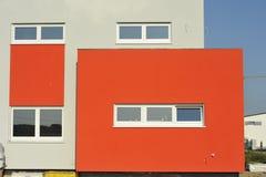 Casa unifamiliar moderna Fotografía de archivo libre de regalías