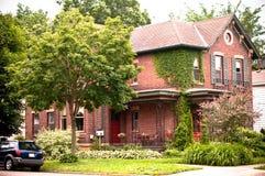 Casa urbana del ladrillo rojo Fotos de archivo libres de regalías