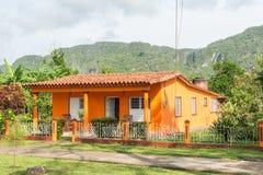 Casa variopinta alla valle dei theVinales in Cuba Fotografia Stock Libera da Diritti