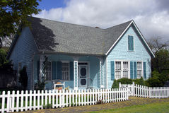 Casa velha bonita Imagens de Stock Royalty Free