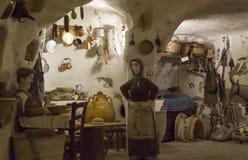 Casa velha da caverna em Matera imagens de stock royalty free