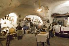 Casa velha da caverna em Matera fotos de stock royalty free