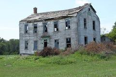 Casa velha da exploração agrícola foto de stock royalty free