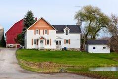 Casa velha da exploração agrícola fotografia de stock