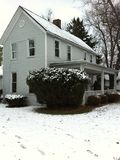 Casa velha da exploração agrícola de Ohio no inverno Fotografia de Stock