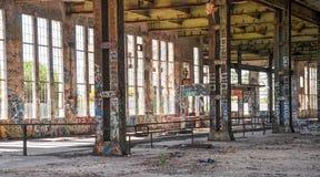 Casa velha do poder: Aço estrutural etiquetado Imagens de Stock Royalty Free