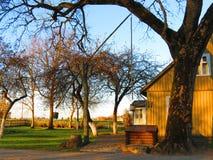 Casa velha e bem, Lituânia Foto de Stock