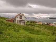 Casa velha em Isafjordur Islândia foto de stock royalty free