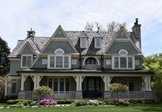 Casa velha moderna imagem de stock royalty free