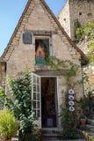 Casa velha na cidade da peregrinação de Rocamadour, da cidade episcopal e do santuário da Virgem Maria abençoada, lote, Midi-Pyre imagens de stock royalty free