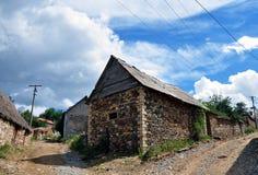 Casa velha na vila de Shishtavec fotografia de stock