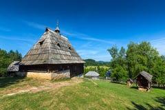 Casa velha na vila do ethno na Sérvia Fotografia de Stock Royalty Free