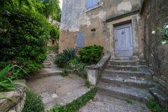 Casa velha nas ruas minúsculas Fotografia de Stock