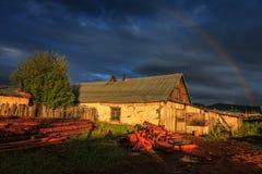 A casa velha no por do sol Fotos de Stock Royalty Free