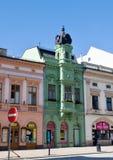 Casa verde en el centro de Hranice - República Checa Foto de archivo