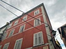 Casa vermelha, estilo do mediterran fotografia de stock