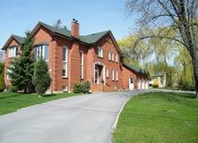 Casa vermelha muito agradável 2010 de Thornhill Foto de Stock Royalty Free