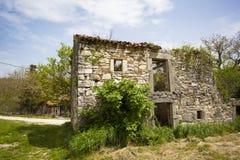 Casa vieja arruinada fotografía de archivo