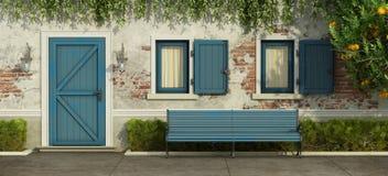 Casa vieja con la puerta y las ventanas azules ilustración del vector