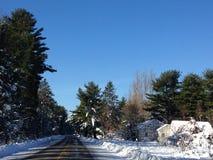 Casa vieja de la escena del invierno Foto de archivo