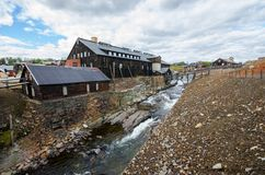 Casa vieja de la explotación minera en Røros/Roros Fotos de archivo libres de regalías
