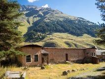 Casa vieja de la montaña Imagen de archivo libre de regalías